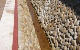 Как укрепить края канавы на даче?