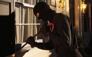 Как защитить пластиковые окна на даче?